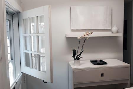 Designer's Plush Atelier Studio - Provincetown - Apartment