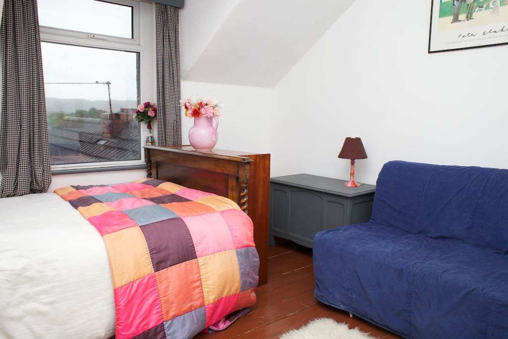 Double Room at top of house with sofa bed and TV
