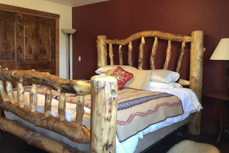1 bedroom  Western Cabin - Pinedale - Cabane
