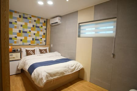 DH Sinchon house - Double Room 3-1