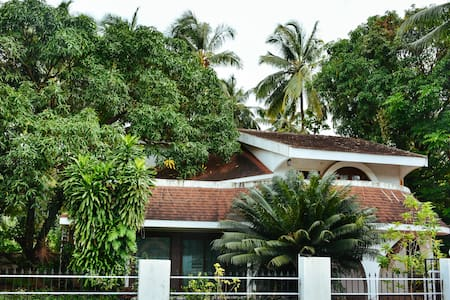 Anuraadhaaz Cozy Homestay Away from Home @ Miramar - Villa