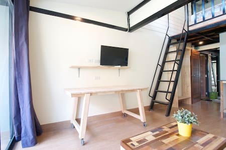 LOFT by the temple in BKK city-wifi - Bangkok - Wohnung