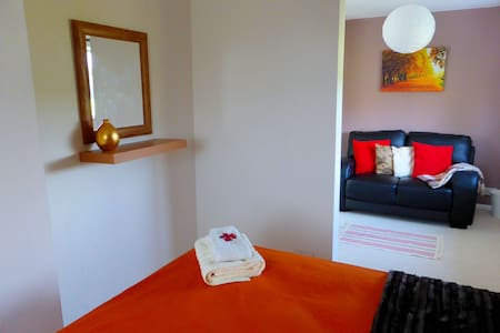 Big double room with sofa - Bed & Breakfast