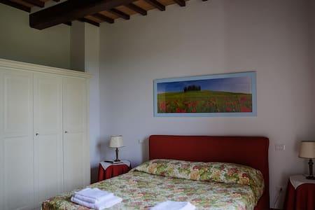 Agriturismo Villa Fonte Regina - Chiusi - Bed & Breakfast