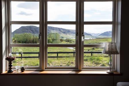 Unique house magnificient view - Kjósarhreppur - Huis