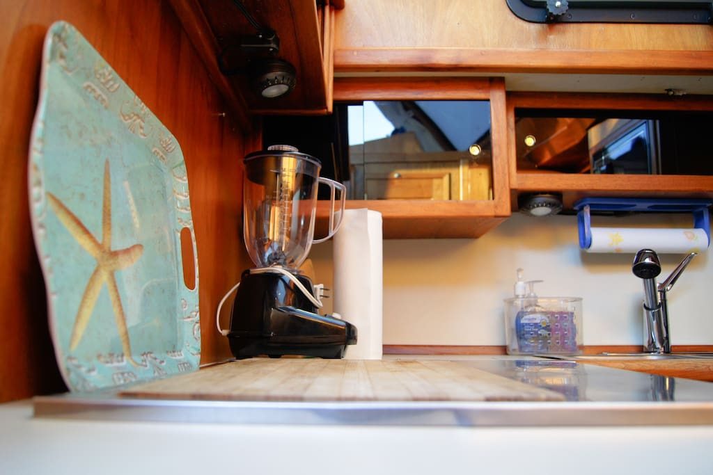 Galley (kitchen) is equipped for your stay - blender, microwave, coffee pot, fridge, freezer, oven, grill....