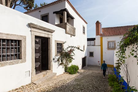 Manuel Amador Room Torre de Maneys - Óbidos Municipality - Bed & Breakfast