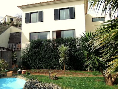 Modern 2Bedroom house with a view Madeira - Hus