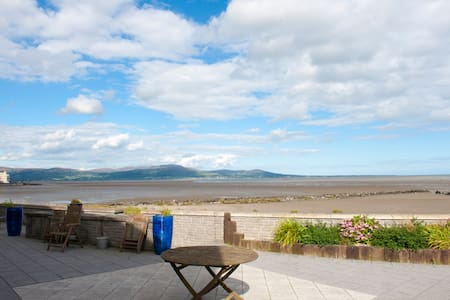 Modern apartment on the beach, Blackrock, Co Louth - Blackrock