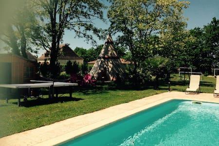 Maison neuve avec piscine chauffée - Beaumont-du-Périgord - Haus
