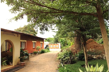 The Tabernacle Guest Lodge - Chililabombwe - Guesthouse