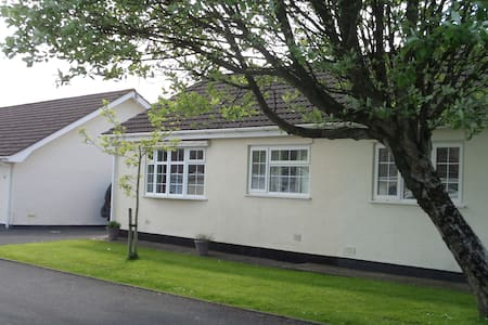 35 Gower Holiday Village - Scurlage