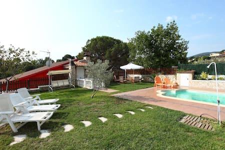 Pool Villa 40 min. from Barcelona - Tordera
