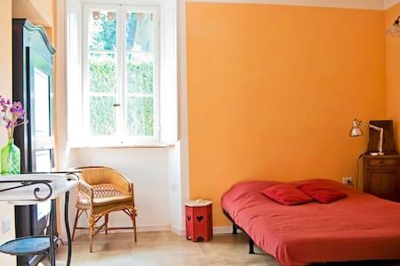Two calm double rooms - Castello