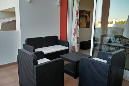Holiday rental apartment near beach and golf - Apartment