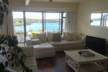 Stunning penthouse waterside apt.