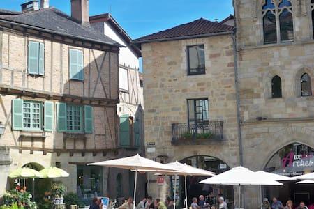 Appt lumineux, centre historique - Townhouse
