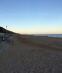 1 bed spacious flat with sea views - Bournemouth - Apartment