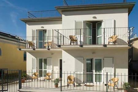 APPARTAMENTO FRONTE MARE - Wohnung