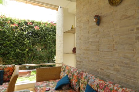 Flat with swimming pool and garden. - Chalet