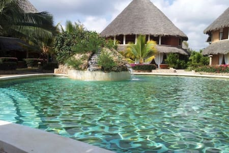 Tembo Court - Ocean Beach Resort ***** - Kilifi