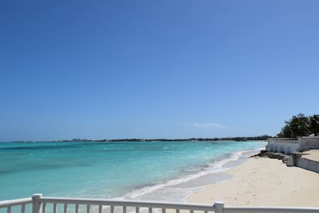 Apartment #1-B with private Beach! - Nassau - Apartment