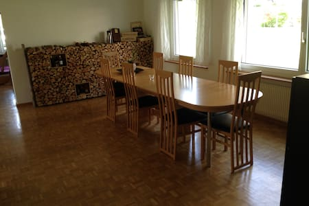 Room type: Entire home/apt Property type: Apartment Accommodates: 5 Bedrooms: 3 Bathrooms: 1.5