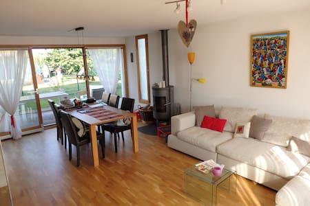 Montreux /Gruyères/Lausanne - Huis