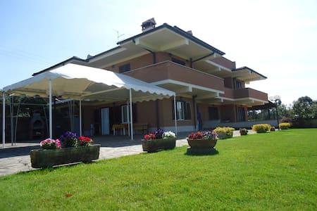 Villa campagna ROMA CASTEL ROMANO