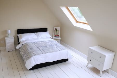 Luxury loft room near Royal Mile