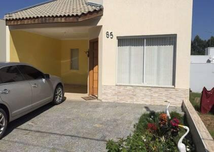 Casa con 3 habitaciónes para alquilar $$ - Talo