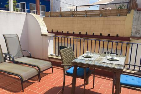 Attic with terrace for 2 people at Sitges centre - Sitges - Apartment
