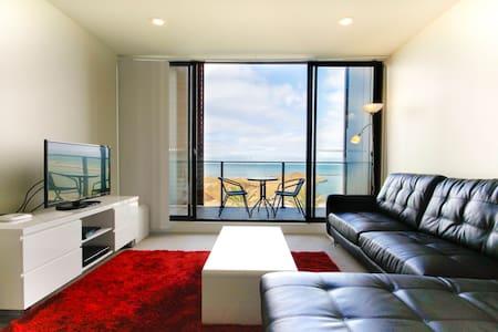 Amazing waterfront apartment - Werribee South - Apartament
