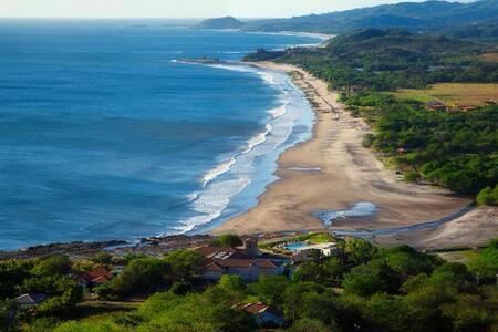 Ocean View walk to 4 breaks!