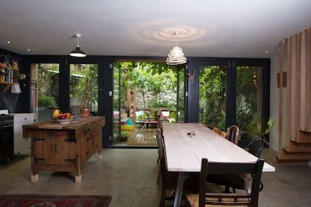 A unique, artistic family home - House