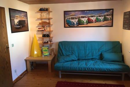 2 Zimmer im Altbau - viele Extras - Lejlighed