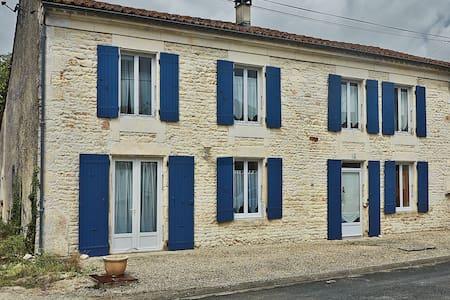 La Rochelle. Marais Poitevin - Hus