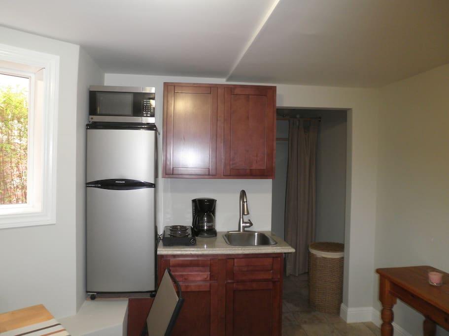 efficiency kitchen area