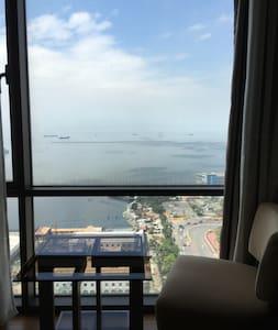2BR Manila Sunset & Rizal Park View - Manila - Condominium