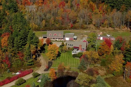 Hidden Meadows Farm & Vineyard Overlook Apt - Apartamento