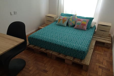 Private Cozy Room in downtown! - Faro - Wohnung