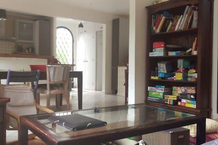 100m² house with garden to discover Paris & around - Soisy-sur-Seine - Huis