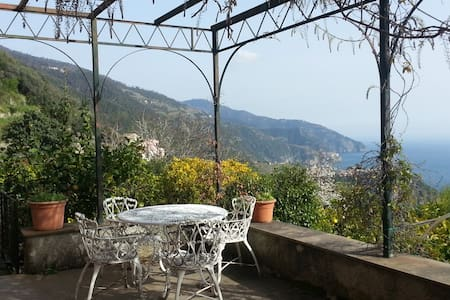 2 Olives Rooms - Charming Villa - Vernazza