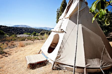 Excellent  tipi sioux- Lakota - Huetor de Santillan - Tipi