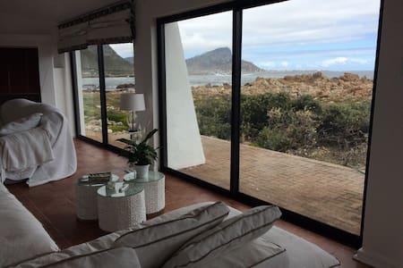 Beachhouse an hour from Cape Town - Casa