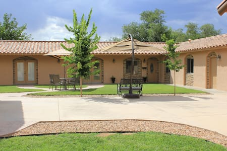 N.Valley 3bed/2bath Rate Inclusive - Los Ranchos de Albuquerque