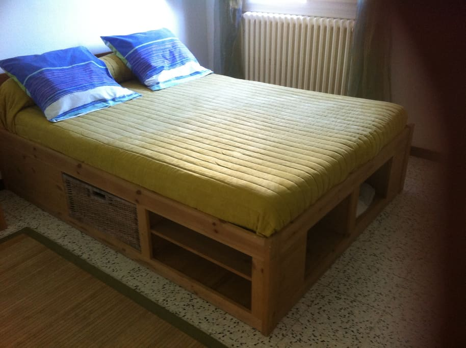 bed and breakfast - spacious room -