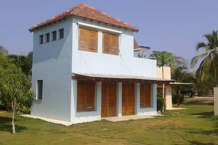 Casa en condominio con marina y muelle privados - Barú