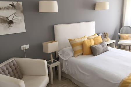 Habitación privada en chalet d lujo - Bed & Breakfast