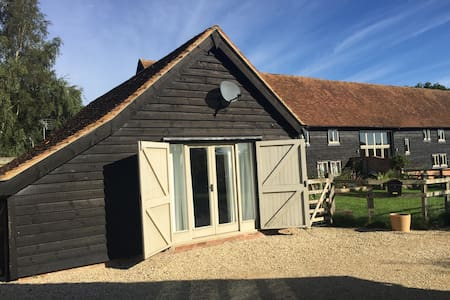 Cosy quiet chic barn conversion near Hermitage - West Berkshire - Guesthouse